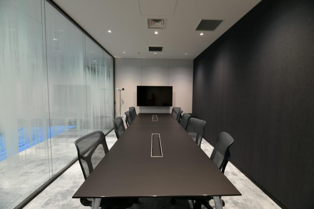 社内には50以上の来客スペースがあります。