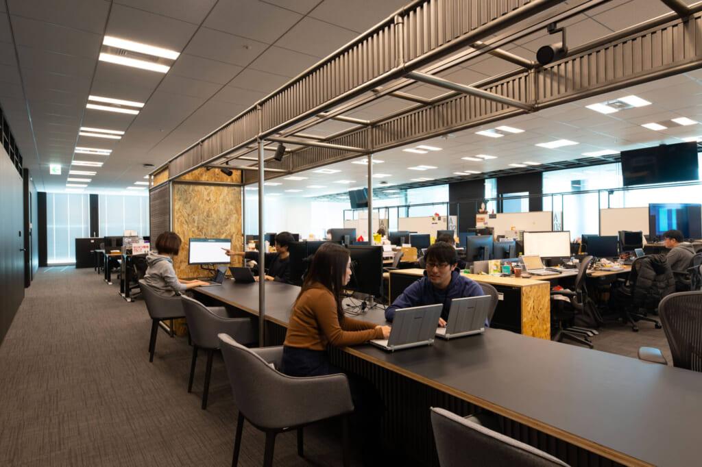 PCやデバイスのトラブルなどは、ヘルプデスクカウンターで相談できます。